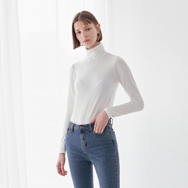 SLIM HIGH NECK LONG TEE_IVORY