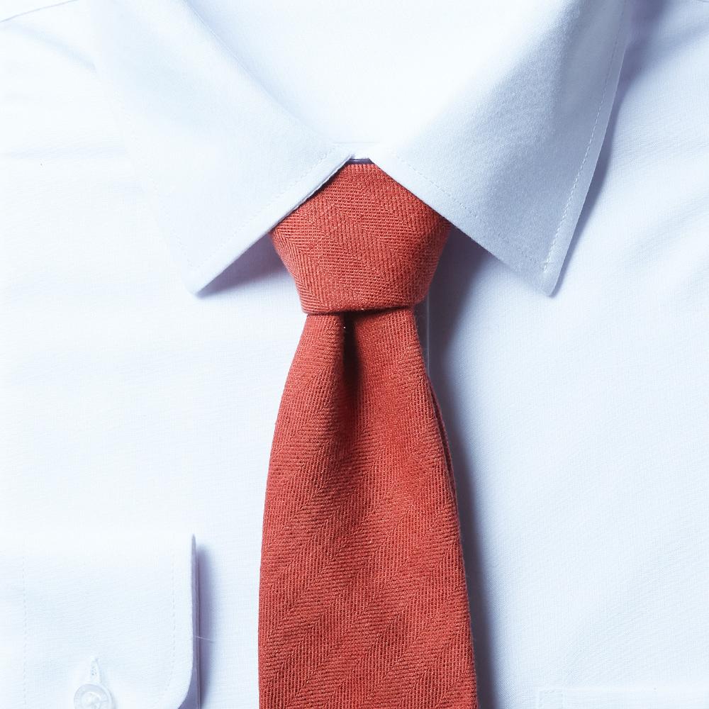 남자 면 오렌지 넥타이
