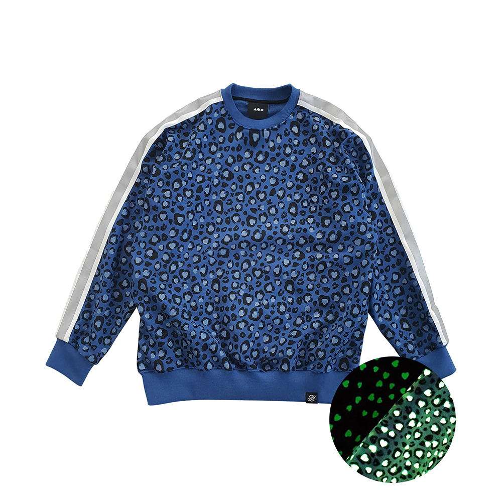 [입점특가][AOX] Leopard heart sweatshirt (Blue) *reflective tape