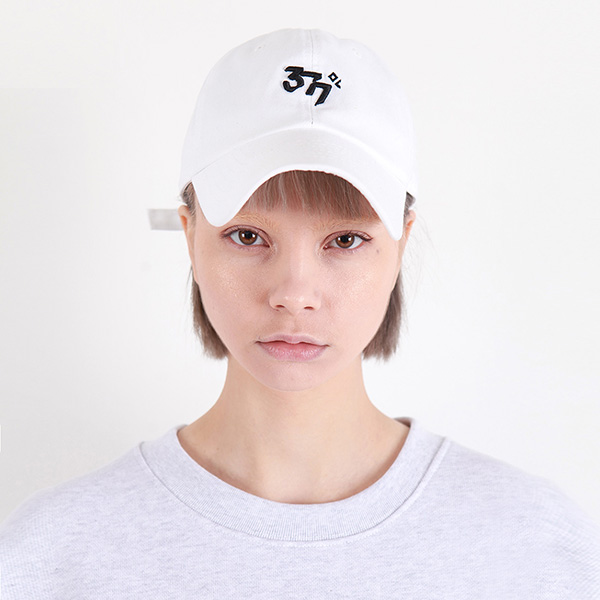 [377] BASIC LINE CAP WHITE/BLACK
