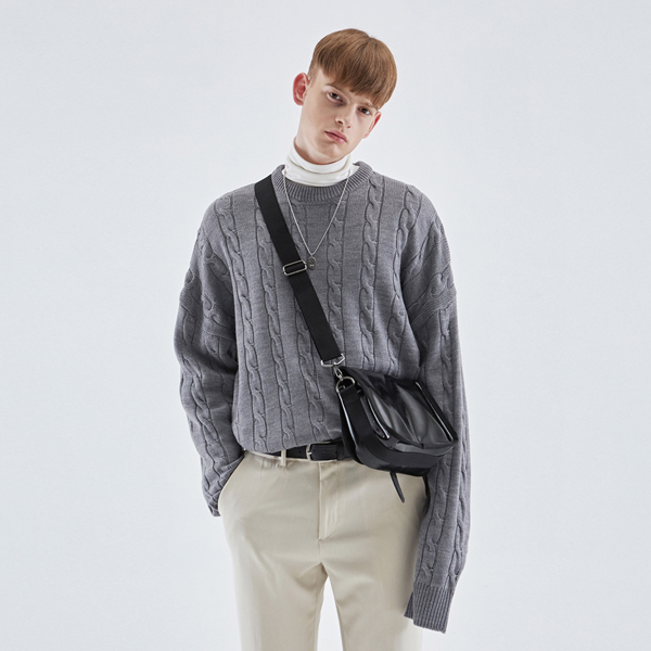 CREAMY CABLE KNIT SWEATER_GRAY