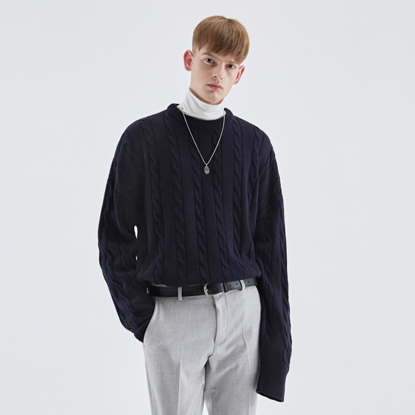 CREAMY CABLE KNIT SWEATER_NAVY