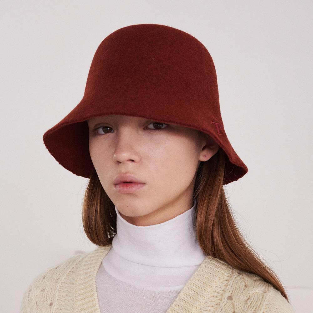 FELT BUCKET HAT WITH LOGO (BRICK-RED)