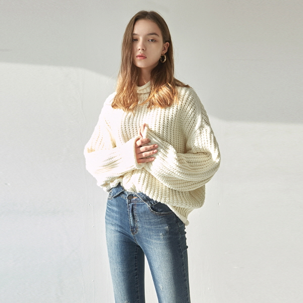WOOL OVER TURTLE SWEATER_CREAM