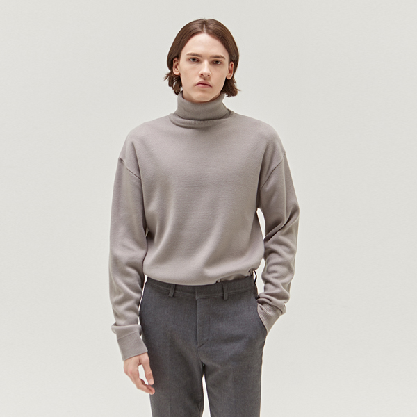 STANDARD WOOL TURTLENECK_LIGHT GREY