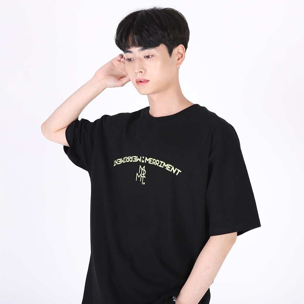 [단독할인](UNISEX)Arch Lettering T-shirt(BLACK)