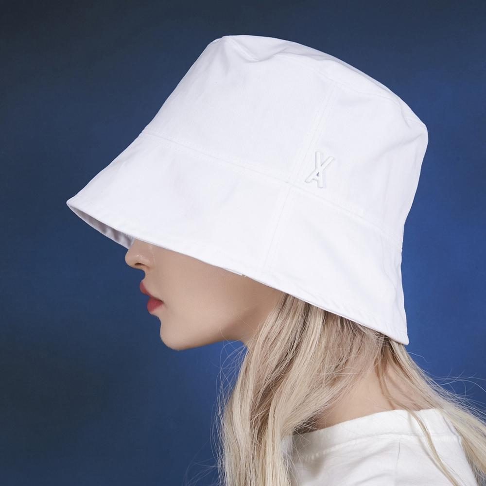 [단독할인]CLC 장예은 착용 [바잘] 스터드 드롭 오버핏 버킷햇 화이트