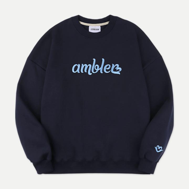 [엠블러]AMBLER 20FW 신상 자수 오버핏 맨투맨 티셔츠 AMM813-네이비