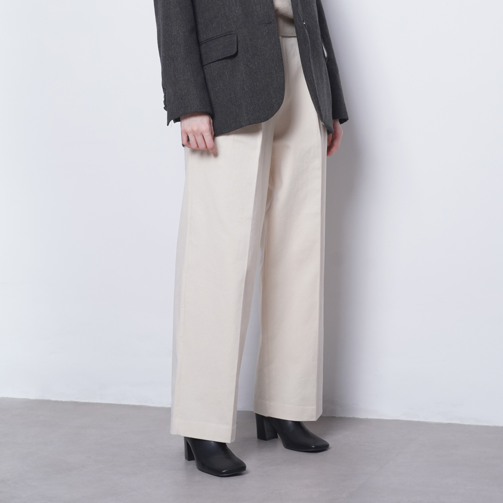 W23 cotton wide twill pants ivory