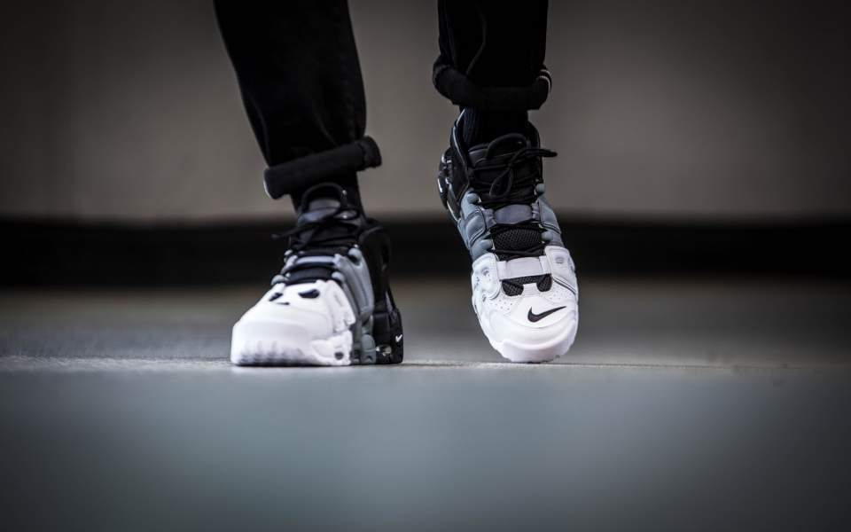 nike-air-more-uptempo-96-black-white-921948-002-mood-1.jpg