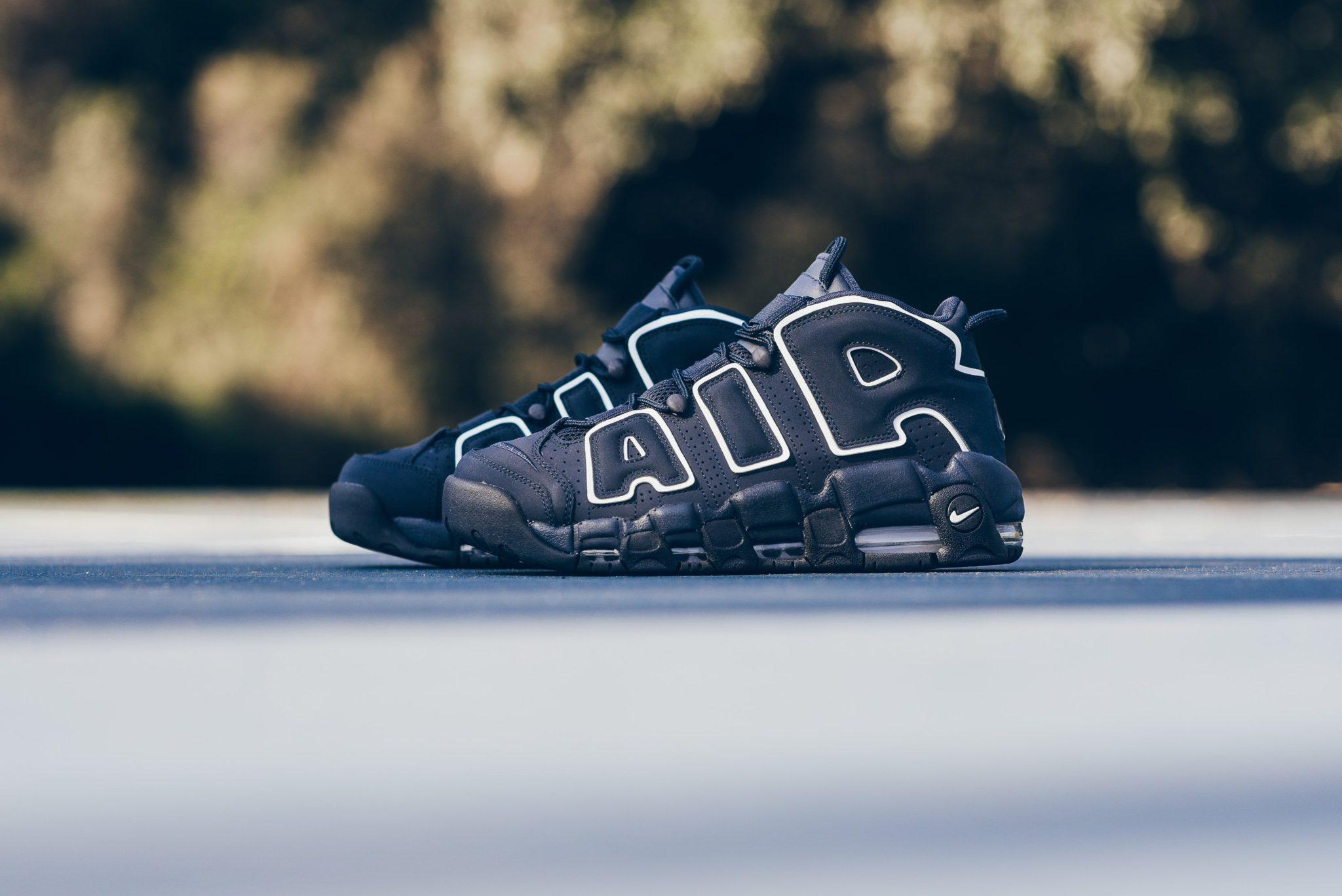 Nike_Air_More_Uptempo_96_obsidian_white_921948_400_sneaker_politics_2.jpg
