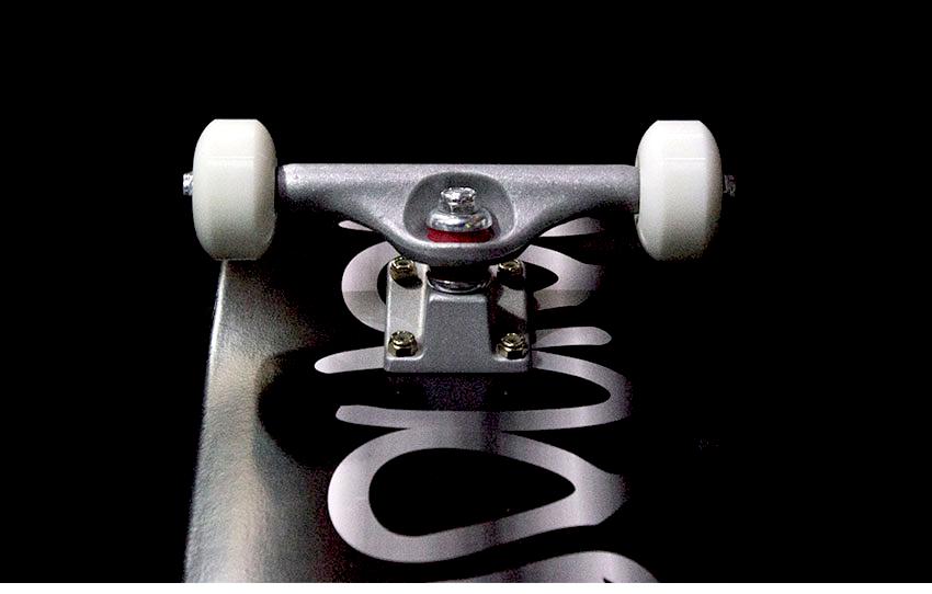 모노파틴-오리지널로고-커스텀-컴플릿-스케이트보드-monopatin-OG-logo-custom-complete-skateboard-8.png
